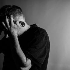 Effondrement autistique et automutilation